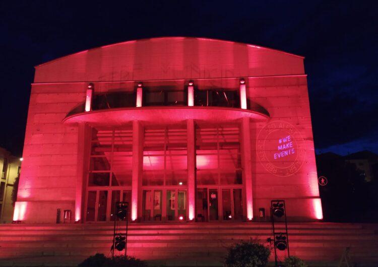 Balaguer se suma al moviment Red Alert tenyint de vermell edificis per la supervivència del sector dels esdeveniments
