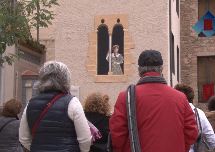Inauguren el mural en homenatge a Margarida de Montferrat a Balaguer