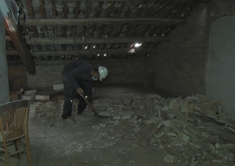 En marxa les tasques de reparació de la coberta de l'edifici dels antics jutjats de Balaguer