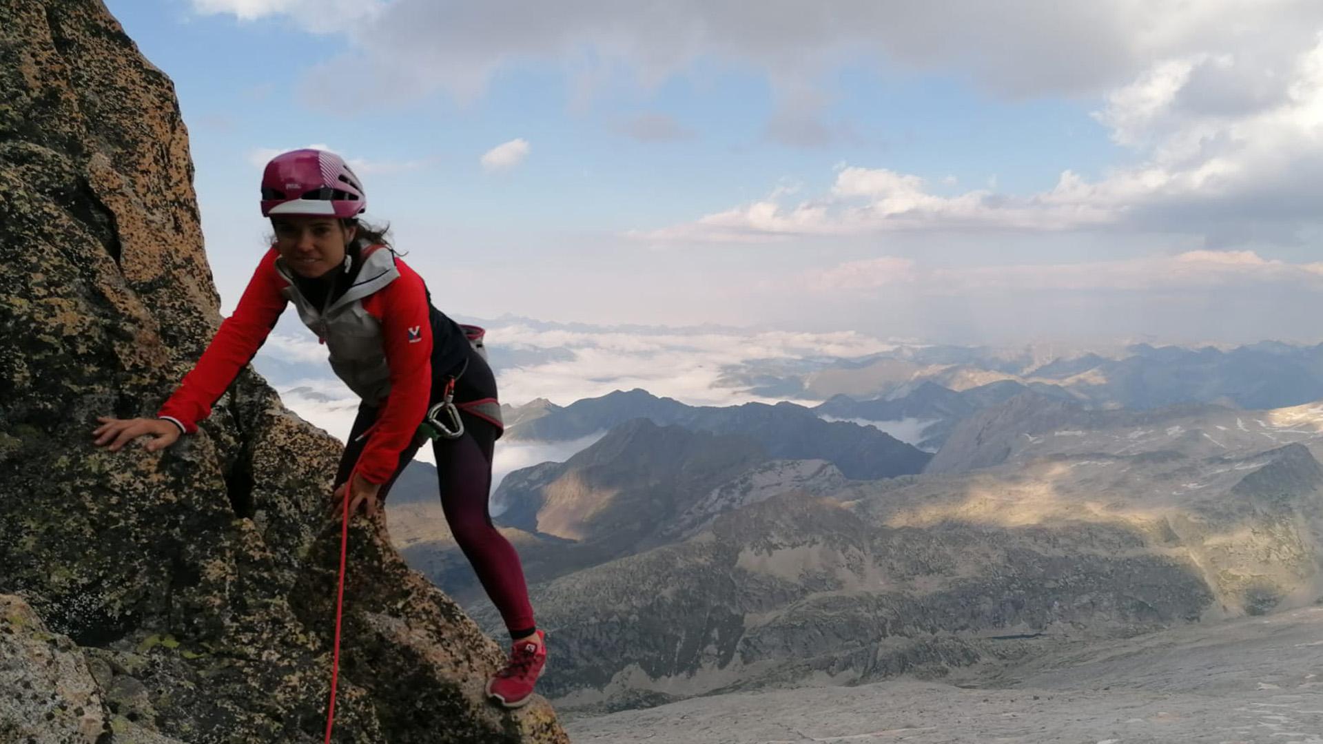 La balaguerina Laura Castellarnau queda segona veterana de Catalunya de curses verticals FEEC