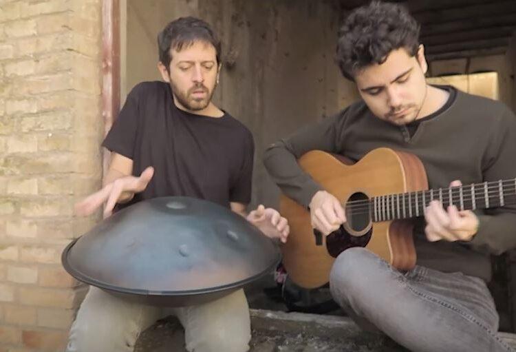 Arcadi i Lluc Casals, dos músics menarguins, presenten el seu primer single 'D'herois i gestes'