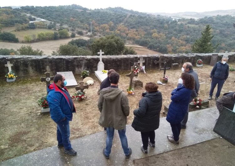 Enterren al cementiri de Foradada les restes de dos soldats republicans que no han pogut ser identificats
