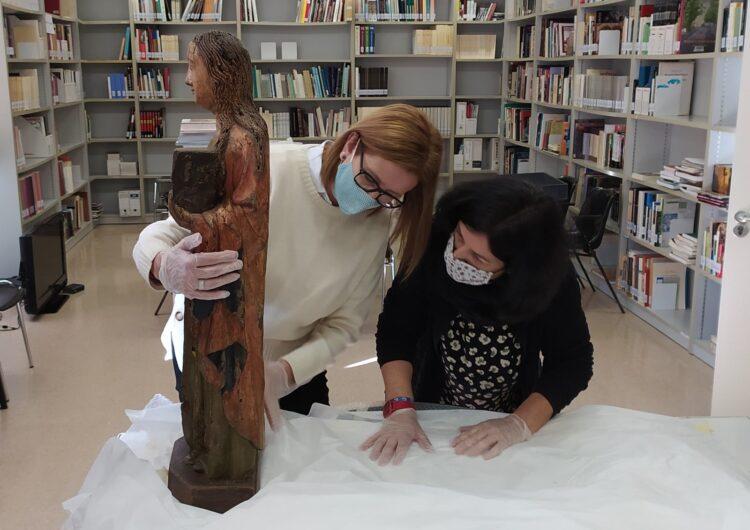 Cultura deixa en dipòsit al Museu de la Noguera una escultura gòtica amb heràldica del comte Pere II d'Urgell