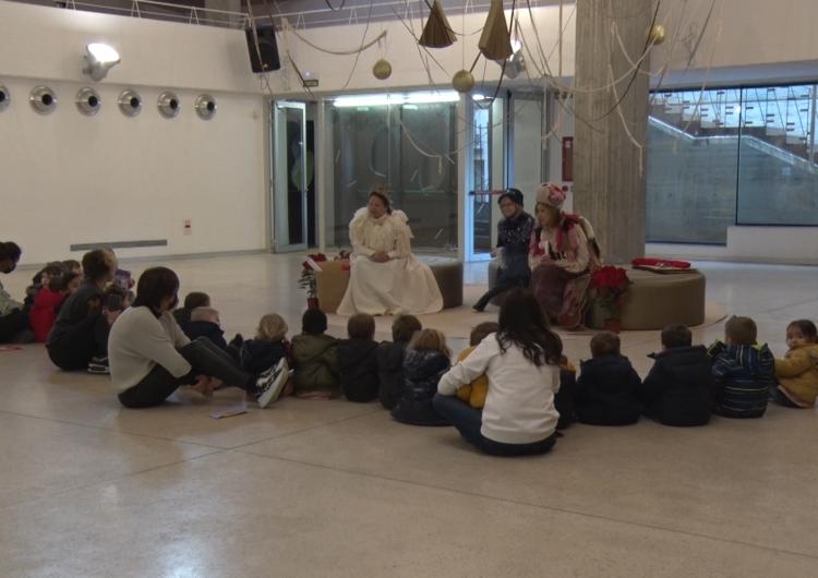 Les patgesses reials reben els infants de les escoles de Balaguer