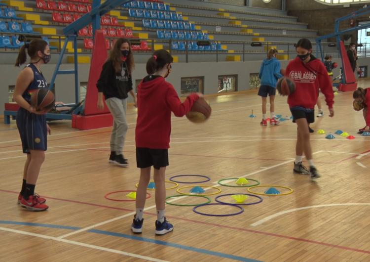 En marxa el campus de bàsquet de Nadal a Balaguer