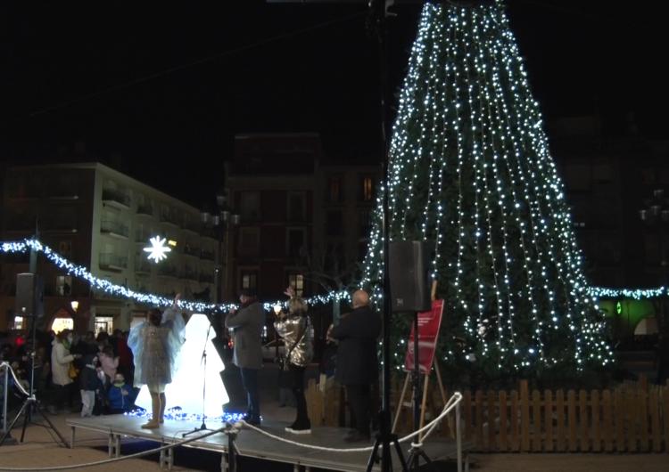 Balaguer encén l'enllumenat de Nadal de la mà de Polsim