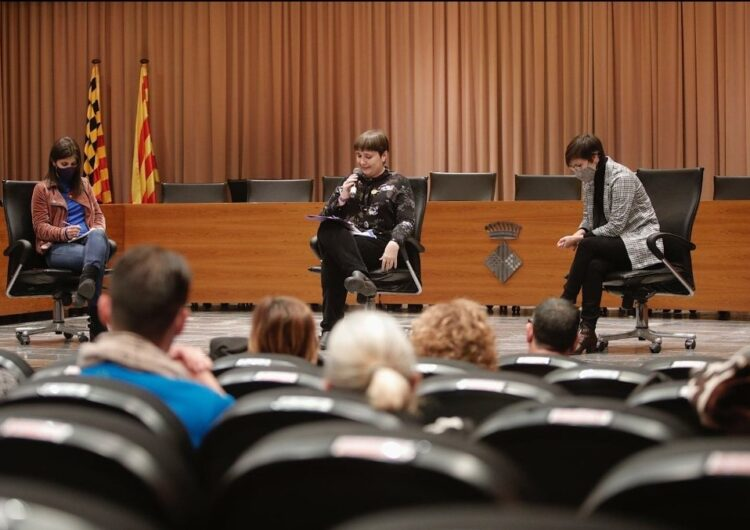 Jenn Díaz presenta el seu llibre 'Dona i poder' a Balaguer