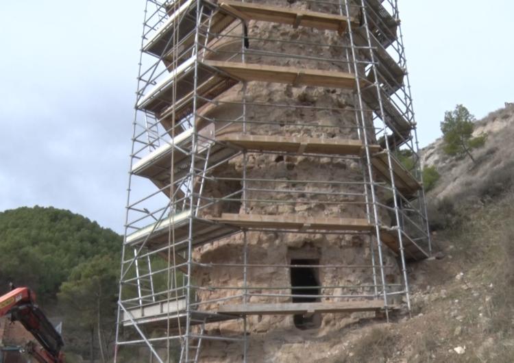 Castelló de Farfanya inicia les obres de reparació de la Torre del Torrent