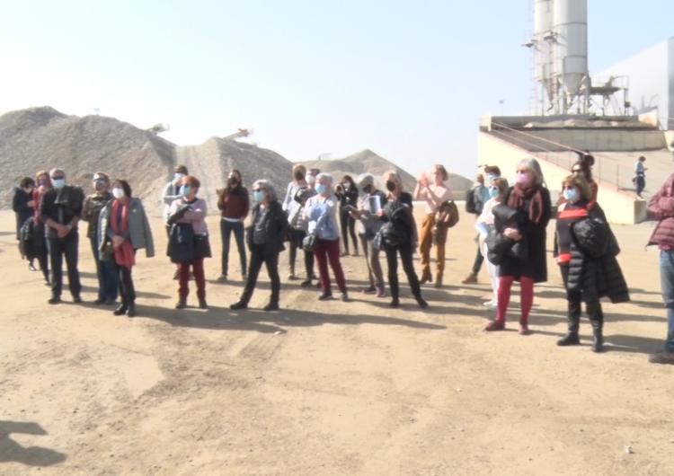 La planta d'excavacions de Sorigué s'atura un dia per l'exposició 'Graves' de l'artista Lara Almarcegui