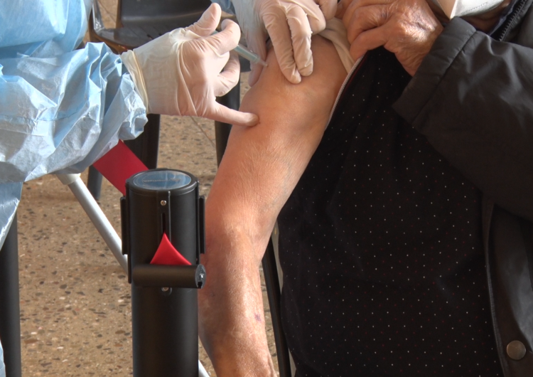 Salut inicia la vacunació per a les persones d'entre 45 i 49 anys