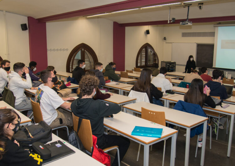El Procicat recupera les colònies mantenint el grup bombolla i les classes presencials a segon d'universitat