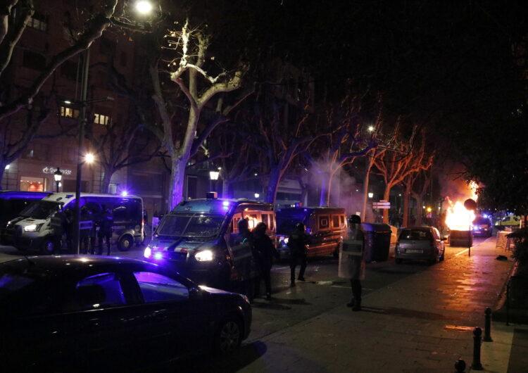 Acusen de desordres públics els detinguts a Lleida per la crema de contenidors al final de la protesta de suport a Hasel