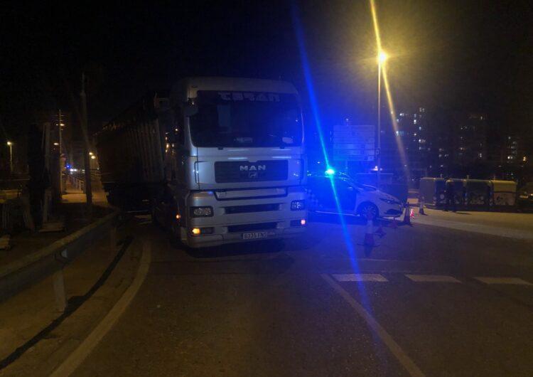 La Guàrdia Urbana de Balaguer va tallar la circulació al pont de Sant Miquel per un incident amb una tractora