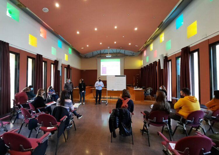Els professionals dels Serveis Socials del Consell Comarcal de la Noguera es formen en treball comunitari