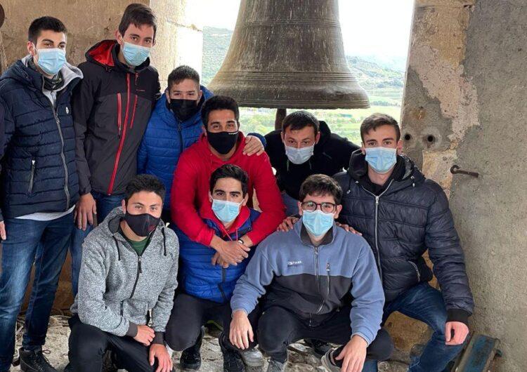 Els joves mantenen la flama de la Trobada de Campaners d'Os de Balaguer