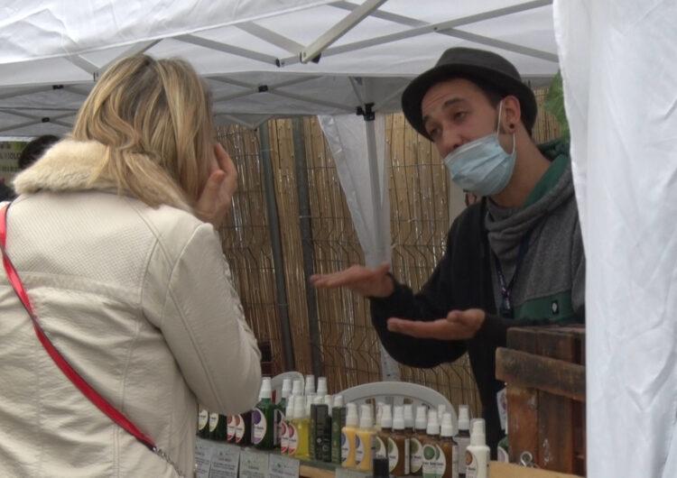 Bona afluència de visitants a la 12a edició de la 'Fira del sabó i la cosmètica natural' de Montgai