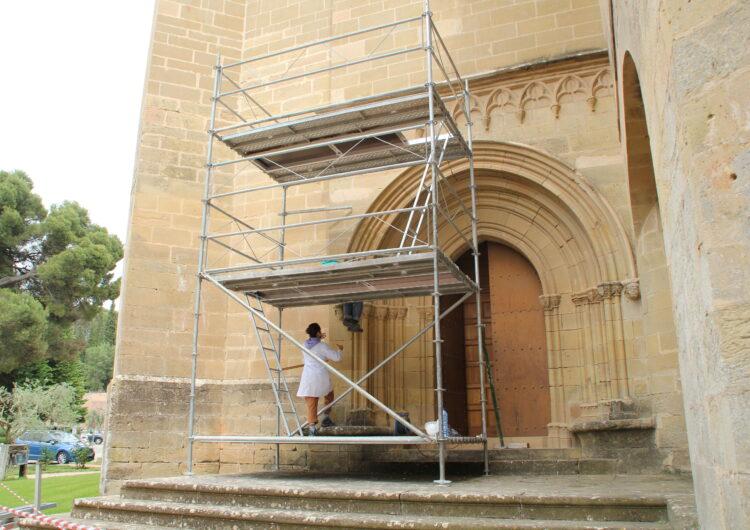 El Monestir de les Avellanes inicia la restauració de la porta gòtica de l'església