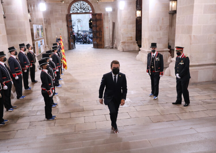 Aragonès signa els decrets de nomenament dels catorze consellers del seu Govern