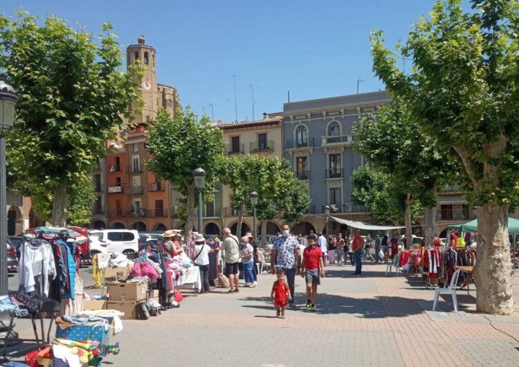 Una trentena de parades exposen a la 10a edició del Mercat del Vell de Balaguer