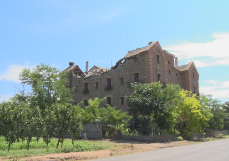 Comencen les obres per retirar les runes de la Casa Gran de la Sucrera de Menàrguens