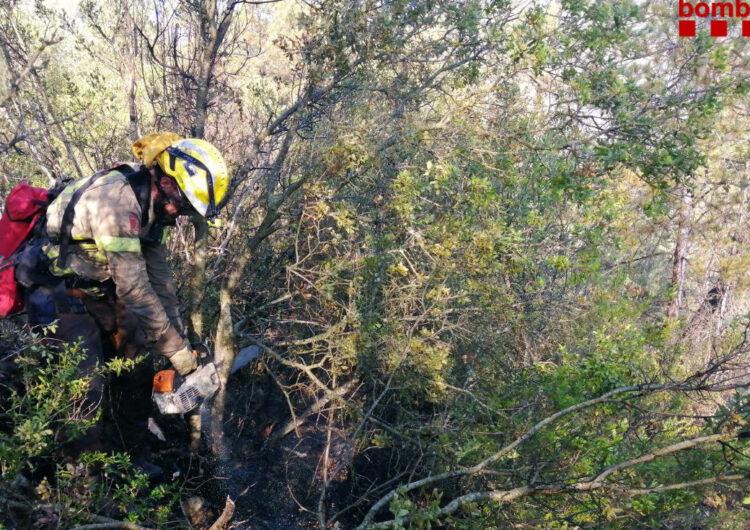 Un incendi crema 2 hectàrees de sotabosc al costat del pantà de Camarasa