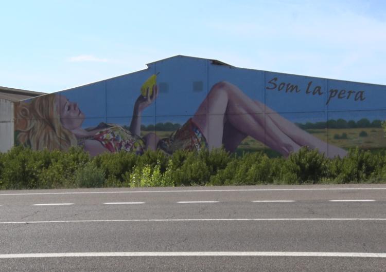 La DOP Pera de Lleida es reivindica amb un mural de grans dimensions a Torrelameu