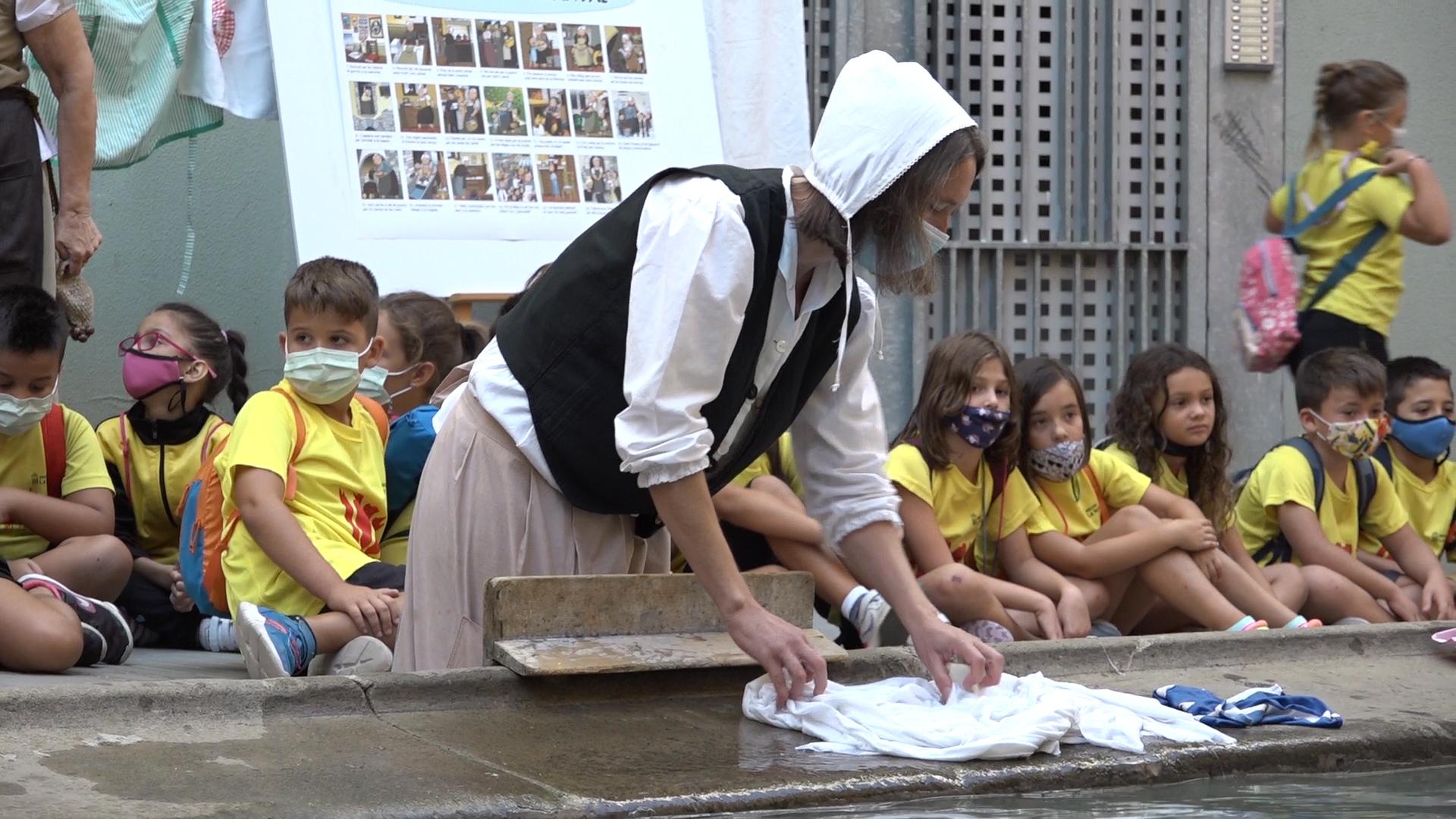 El mercat medieval i les activitats d'escolars obren la festa de l'Harpia de Balaguer
